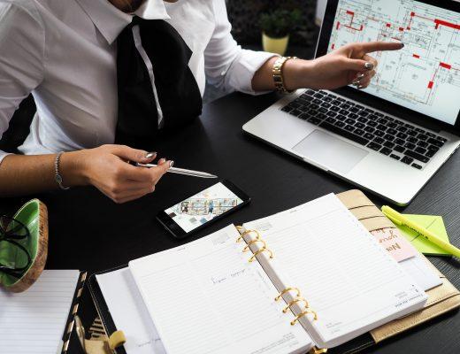 architect-businesswoman-composition-313691-1-520x400