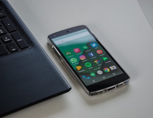 smartphone-1701086_1280-520x400