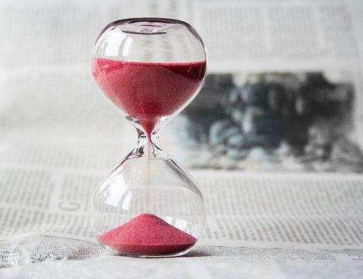 hourglass-620397_1280-520x400