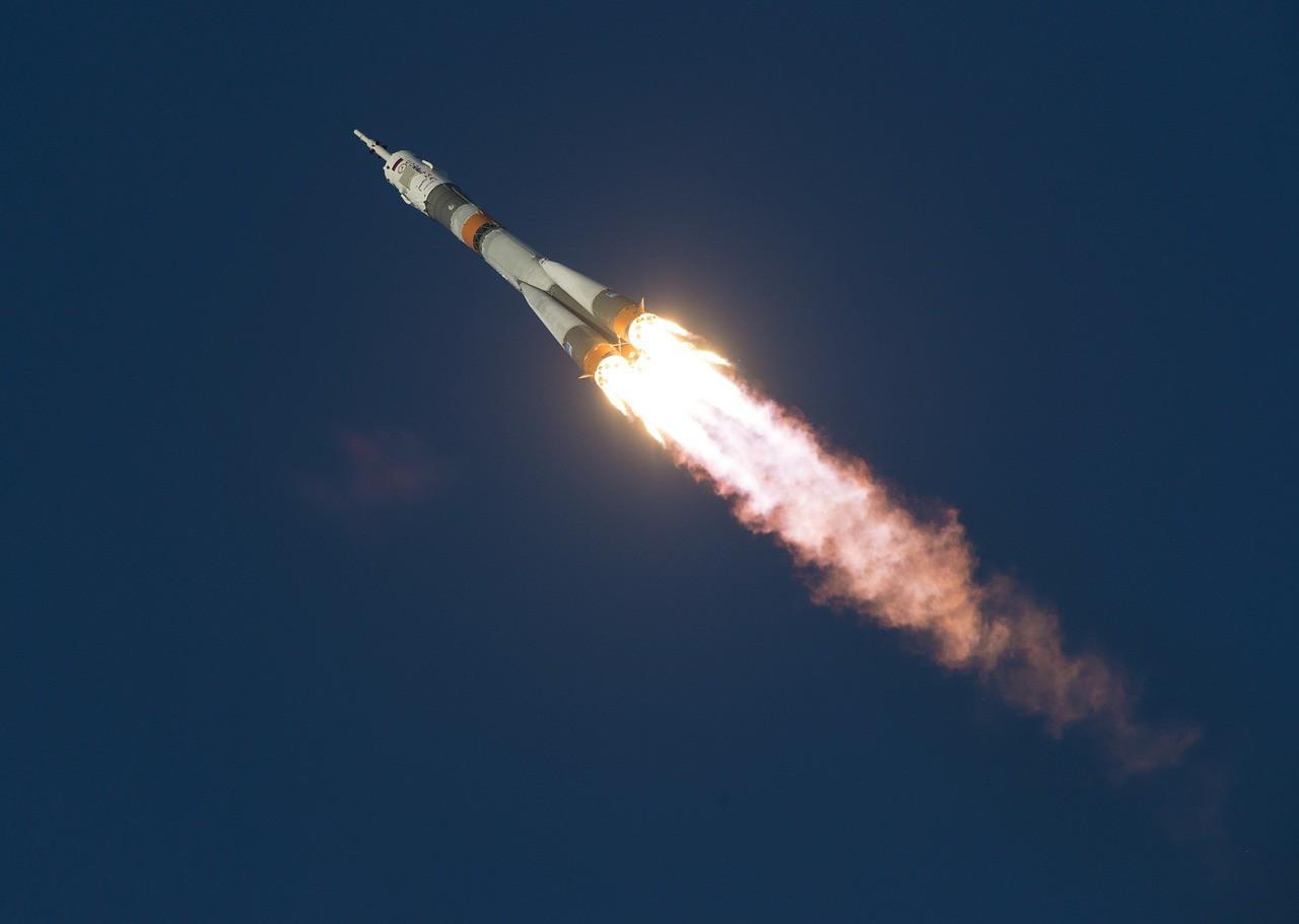 soyuz-launch-1099402_1280