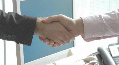 handshake-440959_1280-386x210