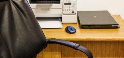 desk-462788_1280-400x189