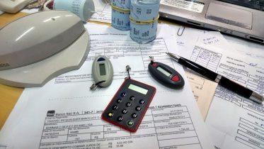 office-515984_1920-373x210