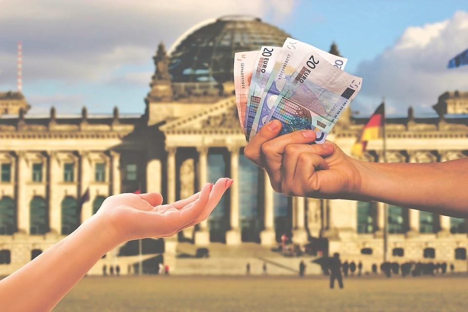 money-3864576_960_720