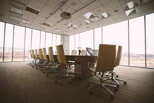 conference-room-768441_960_720-315x210