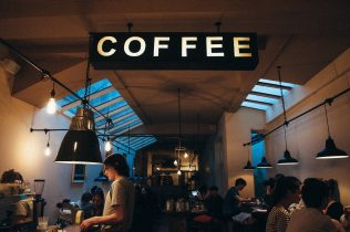 coffee-shop-1149155_1280-316x210