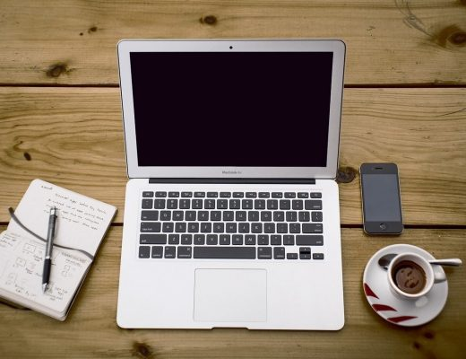 home-office-336378_1280-520x400
