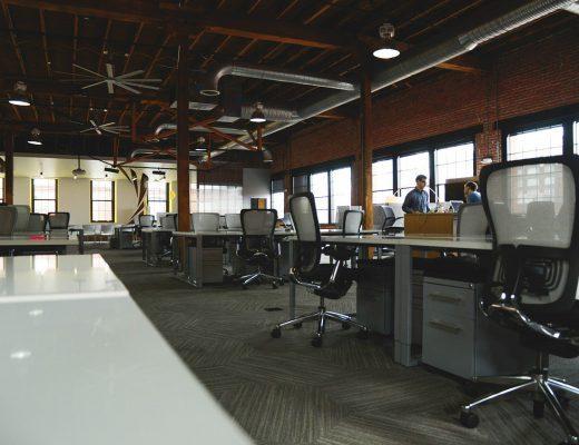 office-594119_1280-520x400