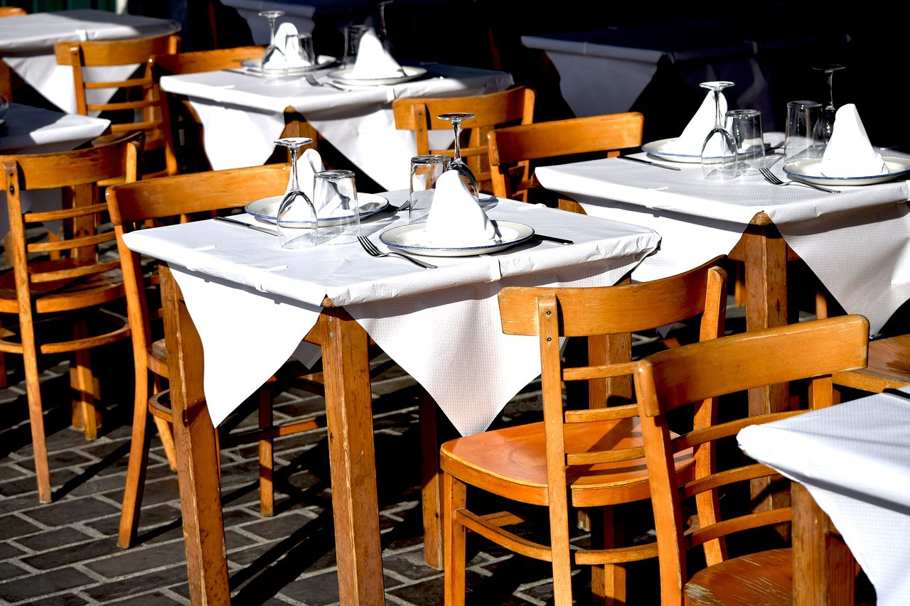 restaurant-2527339_1280