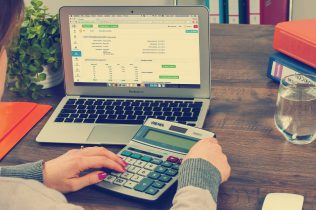 bookkeeping-615384_1280-316x210