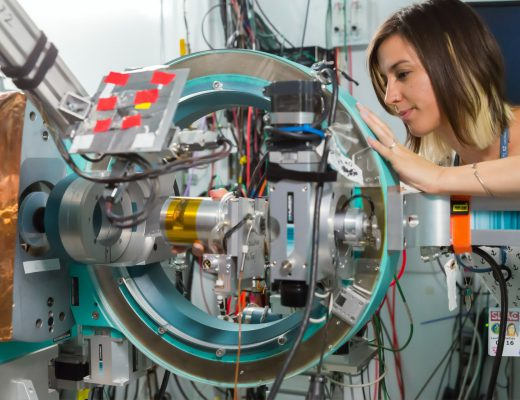 science-in-hd-ZezSTy-aIfc-unsplash-520x400
