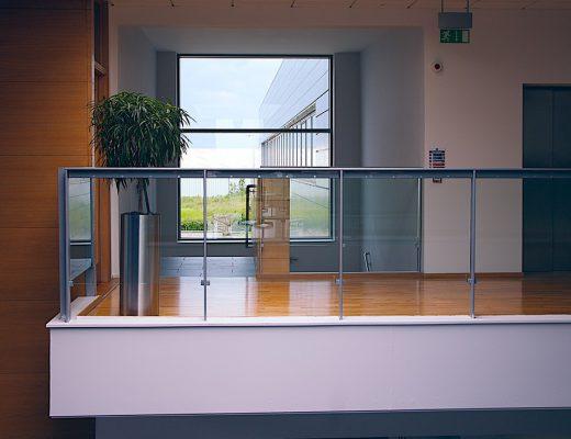 modern-office-1044807_1280-520x400