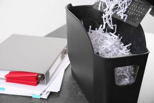 CleanManagementEnvironmentalGroup-74908-Destroy-Personal-Documents-image1-315x210