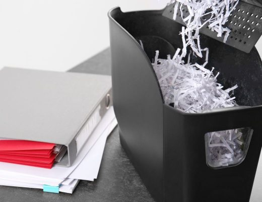CleanManagementEnvironmentalGroup-74908-Destroy-Personal-Documents-image1-520x400