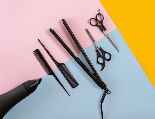 Essential-Items-Needed-To-Run-a-Hairdressing-Service-520x400