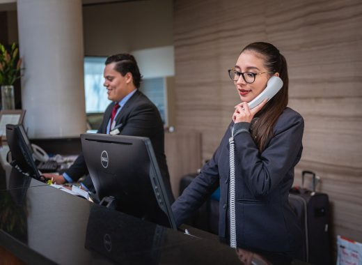 receptionists-5975962_1280-520x380