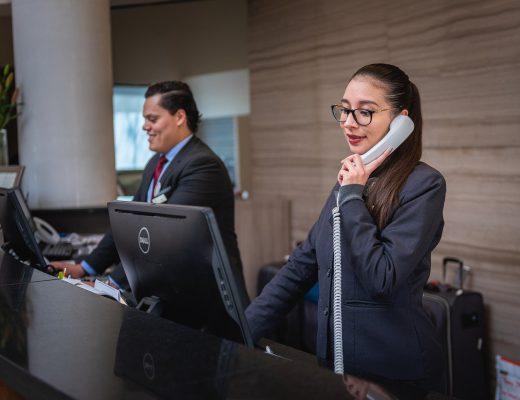 receptionists-5975962_1280-520x400